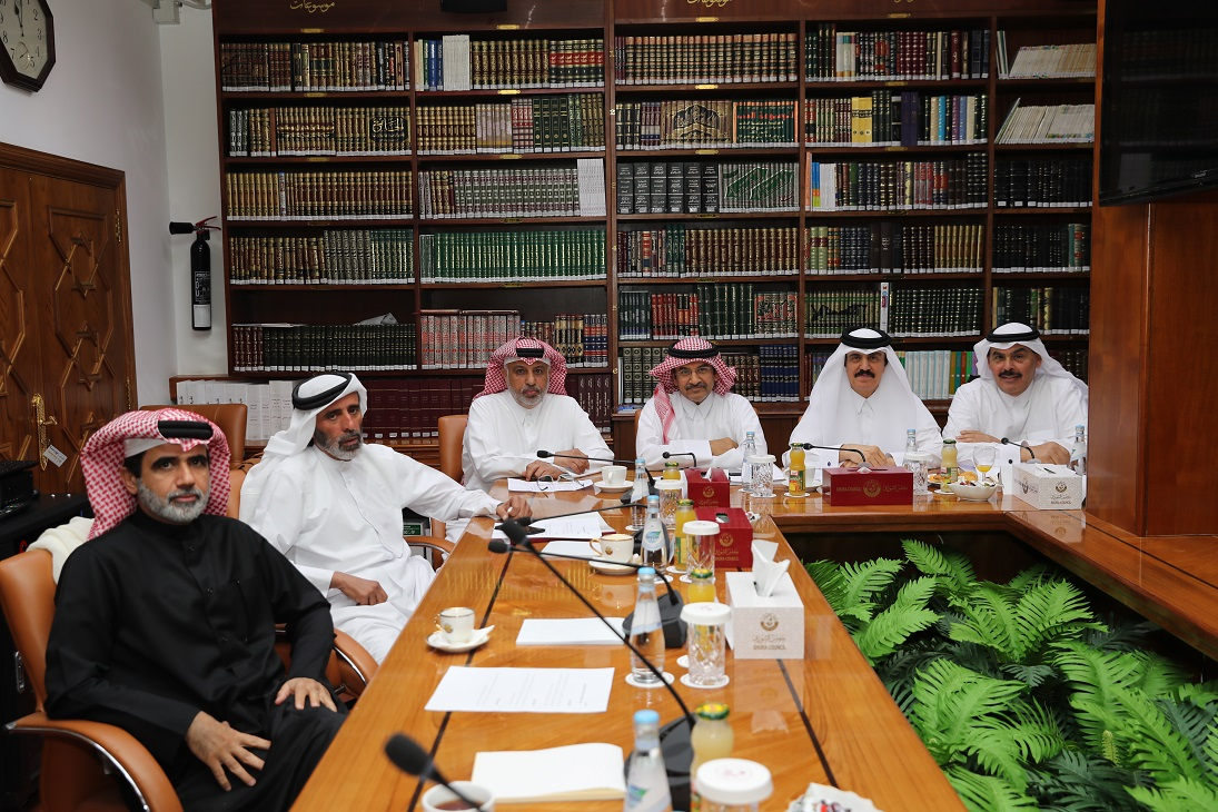Shura Council's Services and Public Utilities Committee Holds Meeting